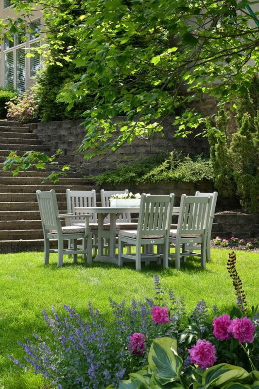 Arrange Flowers and Planters