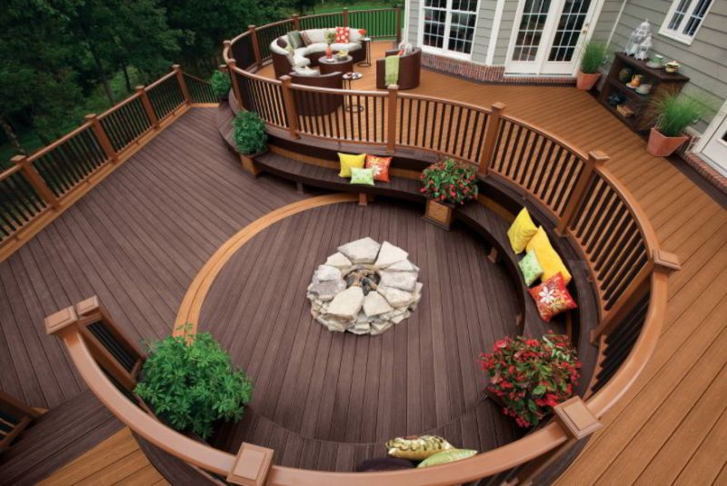 Deck Stain for Multi-Level Deck Idea