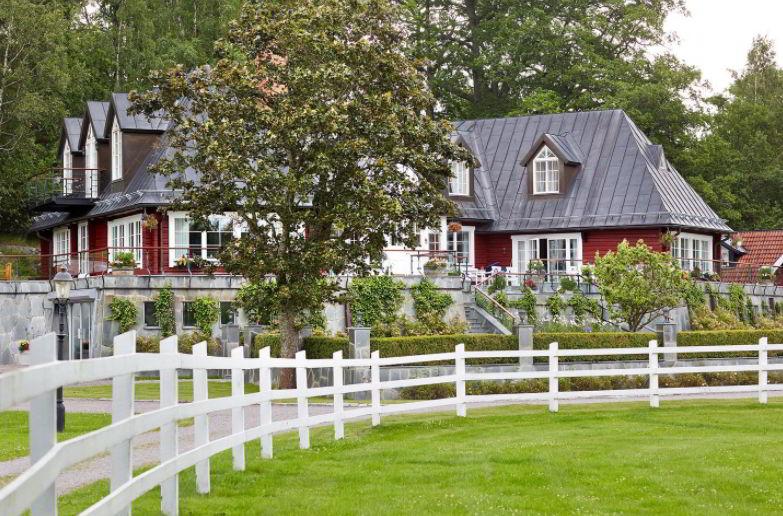 Rustic Fence Ideas for Yard