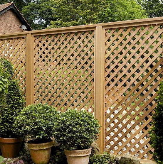 Earthy Privacy Fence Ideas