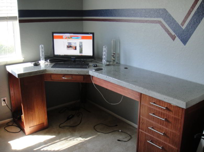 Table with Concrete Countertop