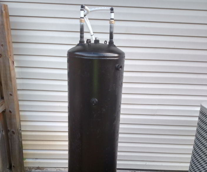 Paint your water tank in black