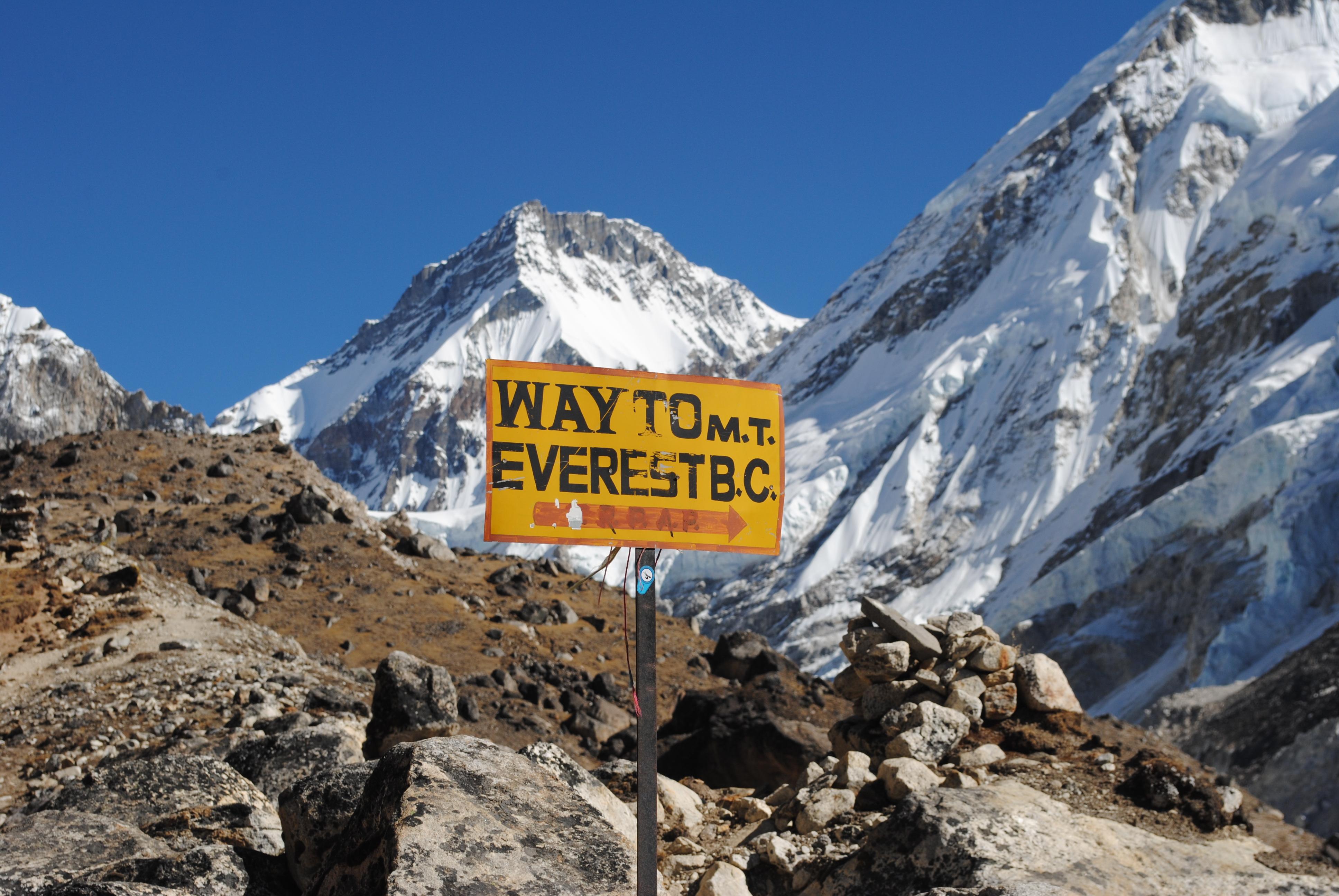 Ice Fall Wallpaper Storms Slow Start To Everest Season As Lukla Flights