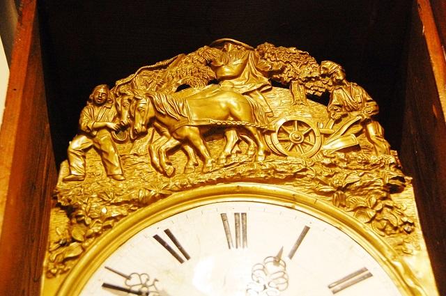 柱時計 装飾部分
