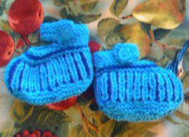Babysocken in Blau für Edgar Februar 2016