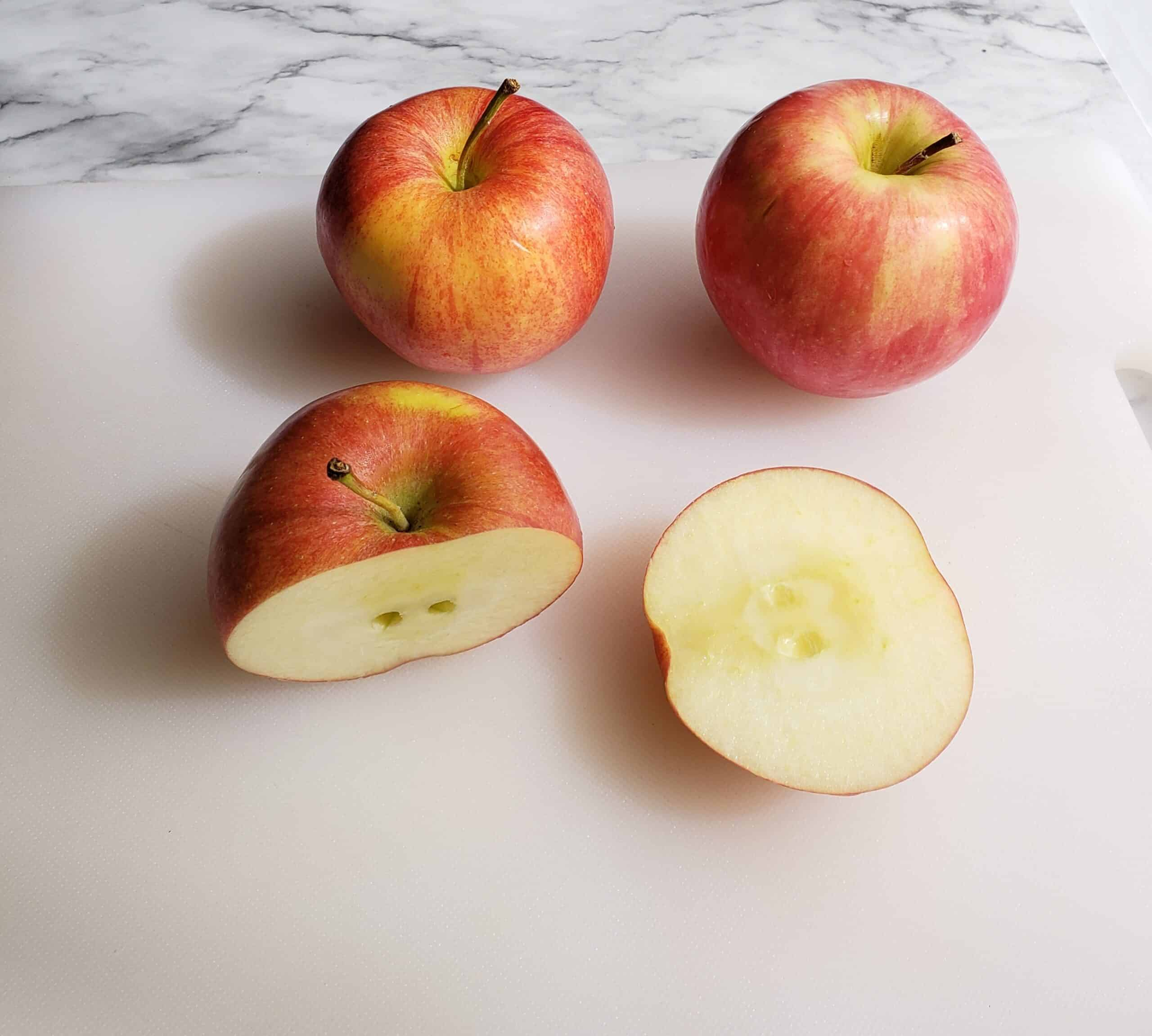 Cut apple without coring step 1