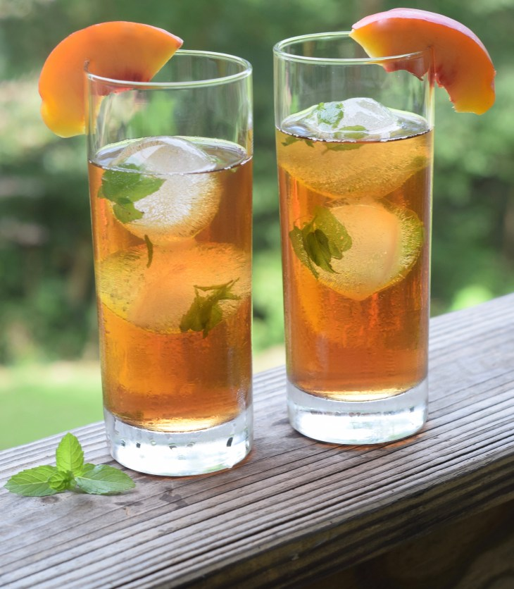Mint Ice cubes is the perfect way to add a fresh flavor to peach sweet tea. Make mint ice cubes by freezing mint sprigs in distilled water ice cubes