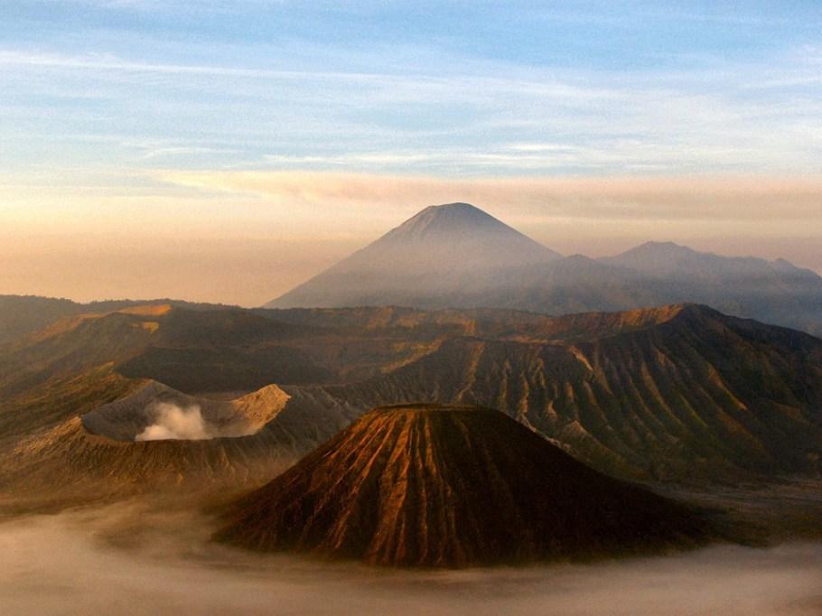 java-volcano-16912_960_720