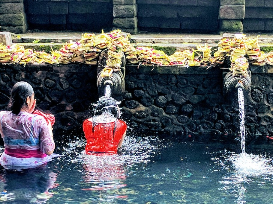 pura-tirta-empul-temple-2633616_960_720