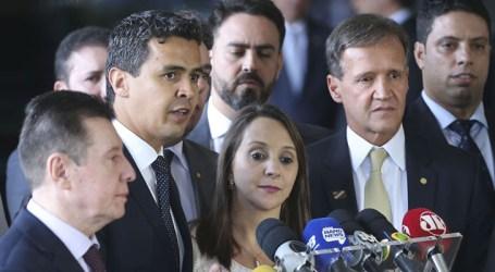 Podemos será independente, mas promete ajudar Bolsonaro