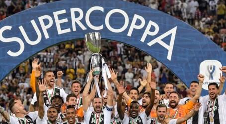 Douglas Costa e Alex Sandro conquistam a Supercopa da Itália com a Juventus