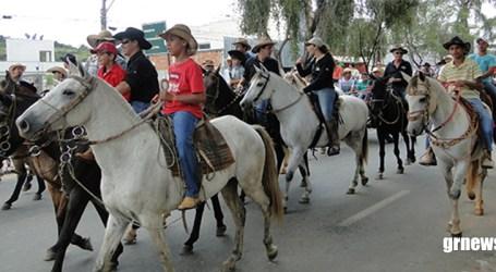 Elias Diniz confirma realização da Cavalgada, Expô Pará e Festa do Frango e do Suíno de Pará de Minas