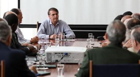Jair Bolsonaro avalia versão final da reforma previdenciária dos militares