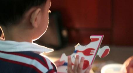 Várias características do autismo são perceptíveis nos primeiros anos de vida
