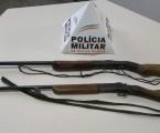 Armas e munições apreendidas na zona rural São José da Varginha; dois foram presos na mesma ação