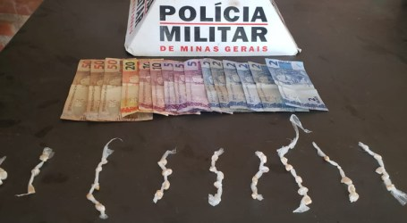 Dupla suspeita de tráfico flagrada com 42 pedras de crack e dinheiro em Pompéu