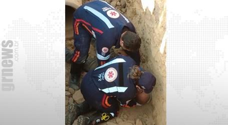 Trabalhador fica ferido após cair dentro de buraco em Pitangui