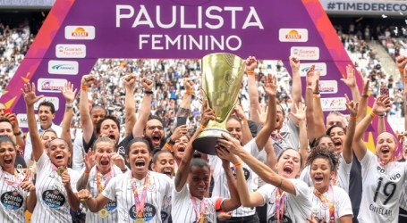 Time de futebol feminino do Corinthians encerra temporada histórica