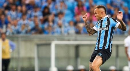 Grêmio derrota o Cruzeiro e volta ao G-4 do Brasileirão