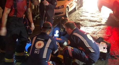 Homem é atropelado por carro e sofre traumatismo cranioencefálico grave em Divinópolis