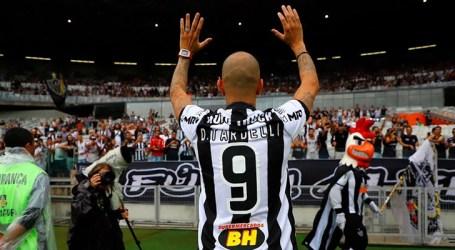Ídolo Diego Tardelli destaca alegria em volta para casa