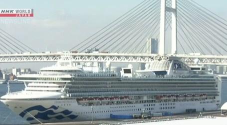 Quase mil passageiros desembarcam do navio cruzeiro afetado pelo novo coronavírus