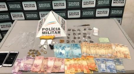 Flagrados com maconha, cocaína, crack e dinheiro em Pará de Minas; um suspeito armado fugiu