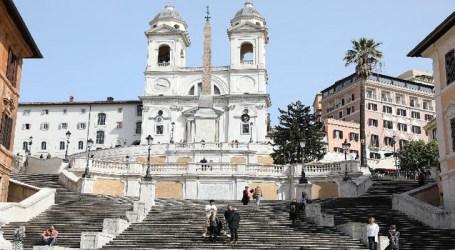 Itália revogará quarentena viajantes de União Europeia, Reino Unido e Israel