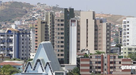 Centro de Pará de Minas lidera casos confirmados de Covid-19 e cinco bebês já contraíram a doença