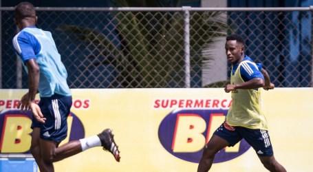 Recém-contratado, Iván Angulo treina pela primeira vez com a camisa do Cruzeiro