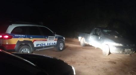Caminhonete é apreendida e acusados conseguem fugir da PM em Torneiros; suspeita é que estejam envolvidos no furto de gado