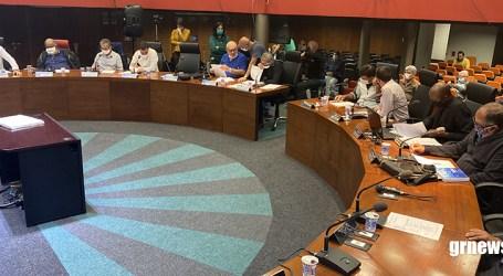 Vereadores votam dois projetos na reunião que fechou o 1º semestre e já iniciaram o recesso parlamentar