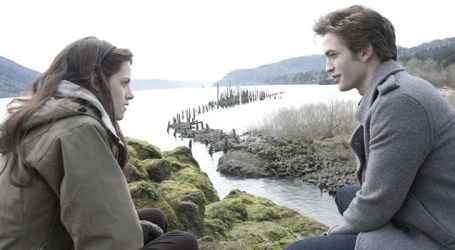 """Por onde anda o elenco da saga """"Crepúsculo"""" quase dez anos após o seu fim?"""