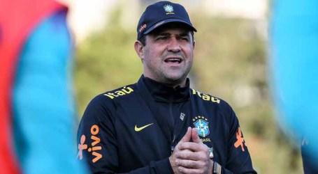 Técnico diz que primeiro tempo da seleção brasileira ficou muito perto da perfeição