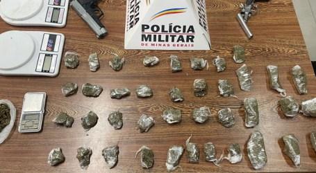 Adolescente é detido com tabletes de maconha, balanças de precisão e armas em Perdigão