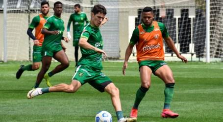 Coelho segue aproveitando o período de treinamentos