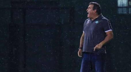 Chapecoense confirma saída do técnico Pintado