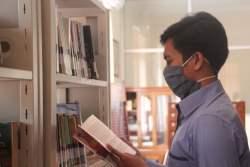 Seluruh Buku di Perpustakaan Daerah Kota Pekalongan Dilakukan Secara Bertahap