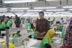 Aturan Turunan UU Cipta Kerja Telah Disusun, Status Pekerja Kontrak Tak Boleh Lebih dari 5 Tahun