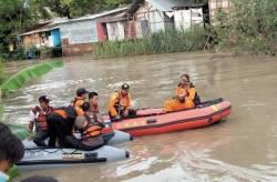 Santri Hanyut Di Sungai Jajar Demak, Tim SAR Berhasil Menemukan Tubuh Korban Sekitar 4 Km dari Lokasi Awal Tenggelam