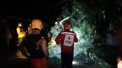 Wilayah Tanon dan Plupuh, Sragen Dihajar Hujan dan Angin Kencang. 20 Rumah Rusak dan Sejumlah Pohon Bertumbangan