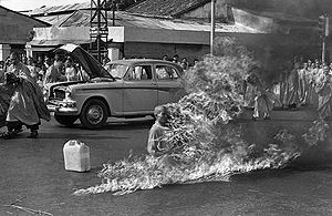 Lam Van Troc burning himself to death June 11, 1963.