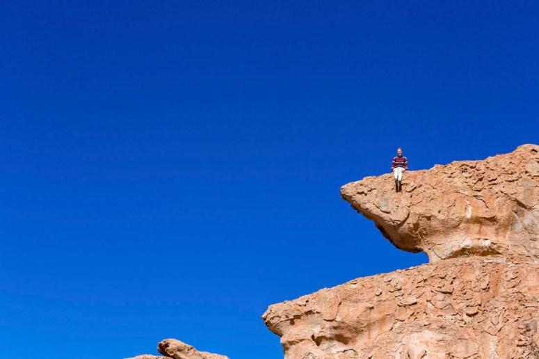 Manouk bovenop een rotspunt van Italia Perdida.