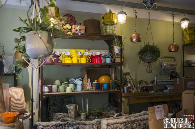 Wadapartja: het kleurrijke winkeltje met allerlei duurzame spullen in Groningen bij het restaurant.