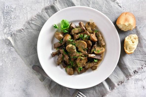 beef-stroganoff-with-mushrooms-PC864R5