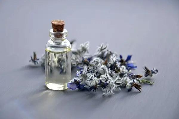 Similar-fragrance-of-Tom-Ford-Oud