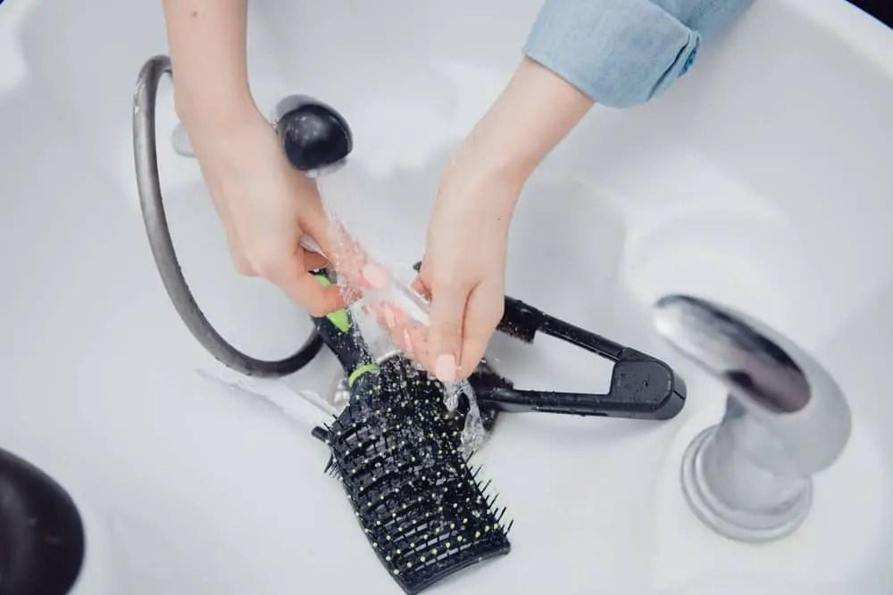 How-to-Clean-Revlon-Hair-Dryer-Brush