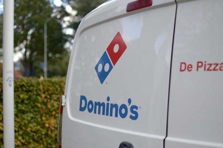 Autobelettering Domino's