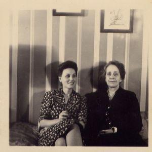 Bette and her mother, Julia Kiene, 1939.