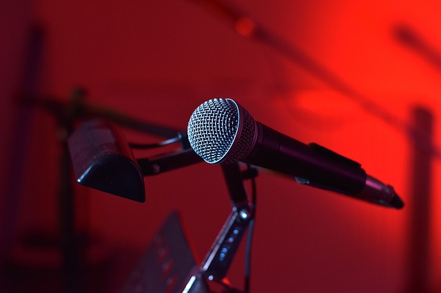 The microphone is used by beatboxer to play voice percussion.